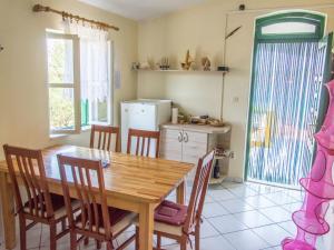 Nanara, Holiday homes  Tkon - big - 25