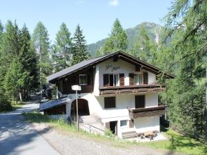 Apartment Alpina 1