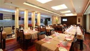 Hotel Airport Residency, Отели  Нью-Дели - big - 29