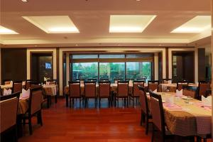 Hotel Airport Residency, Отели  Нью-Дели - big - 30