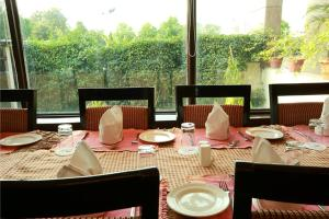 Hotel Airport Residency, Отели  Нью-Дели - big - 32