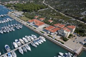 Apartment ACI Marina CRES