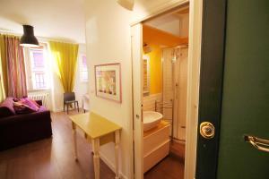 Vatican Prati Smart Apartment, Апартаменты  Рим - big - 4