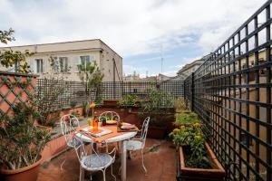 Pantheon Terrace Apartment, Apartmány  Řím - big - 30