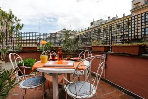 Pantheon Terrace Apartment, Apartments  Rome - big - 16