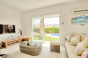 Coral Bay Villa 10, Villas  Peyia - big - 25