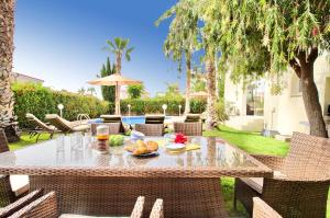 Coral Bay Villa 10, Villas  Peyia - big - 27