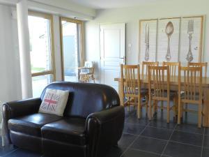 Holiday Home Le Bois Peschard.3, Prázdninové domy  Ézel - big - 4