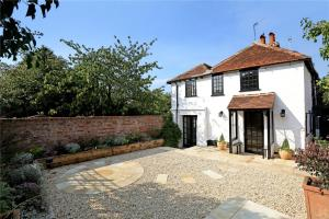 (Henry VIII Cottage in the heart of Henley)