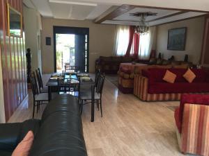 Maison Les beaux rivages, Vily  Dar Bouazza - big - 29