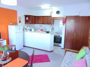 Low Cost Apartment, Apartmány  Peniche - big - 35