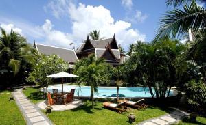 obrázek - 8 Bedrooms Bangtao Fully Serviced Villa