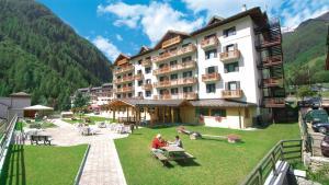 Hotel Cristallo, Hotels  Peio Fonti - big - 13