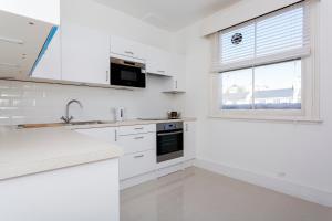 Veeve - 4 Bedroom Apartment - Kensington Gardens