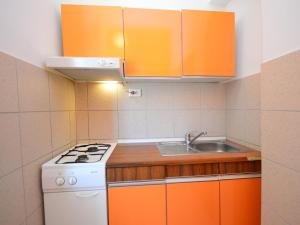 Apartment Karlo.2, Apartmány  Tribunj - big - 16