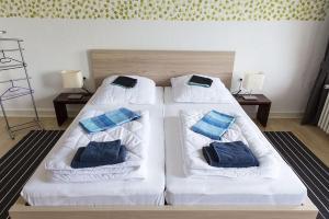 Stilvolle Altbauwohnung in zentraler Lage, Apartmanok  Kiel - big - 14