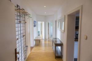 Stilvolle Altbauwohnung in zentraler Lage, Apartmanok  Kiel - big - 2