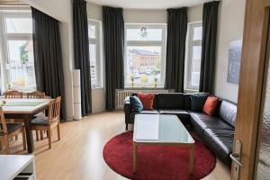 Stilvolle Altbauwohnung in zentraler Lage, Apartmanok  Kiel - big - 3