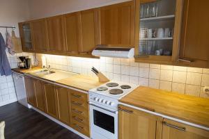 Stilvolle Altbauwohnung in zentraler Lage, Apartmanok  Kiel - big - 6