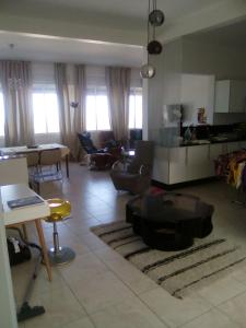 Golf & Sea Apartment, Apartments  Diabat - big - 10