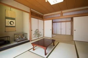 鎌倉公寓 (Kamakura House)
