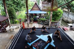 Sor Vorapin Muay Thai Home, Проживание в семье  Бангкок - big - 41
