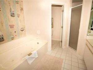 Oceania 403, Apartments  Destin - big - 13