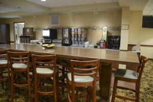 Country Inn & Suites by Radisson, Dundee, MI