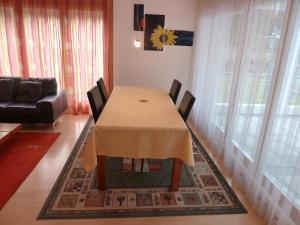 Apartment Surselva Park, Apartmanok  Flims - big - 21