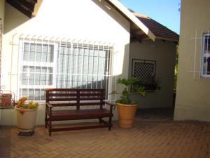 African Rose Guesthouse, Penzióny  Kempton Park - big - 21