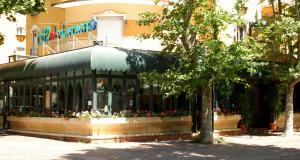 Prenota Hotel Dei Platani