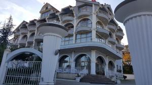 Тирана - Hotel Eklips