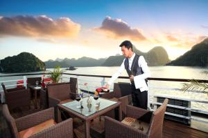 Halong Bay Aloha Cruises