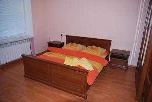 Apartment on Zaliznychna 4/22