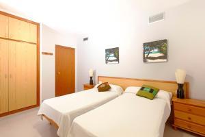 Apartamentos Colomar, Apartmány  Playa de Es Figueral - big - 15