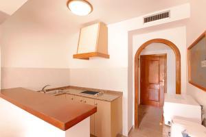 Apartamentos Colomar, Apartmány  Playa de Es Figueral - big - 10