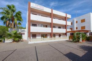 Apartamentos Colomar, Apartmány  Playa de Es Figueral - big - 19