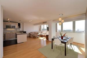 LCT City Center Luxury Apartment IR