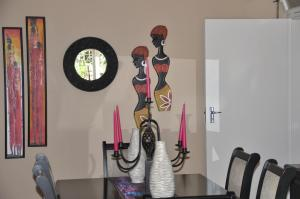 African Rose Guesthouse, Guest houses  Kempton Park - big - 9