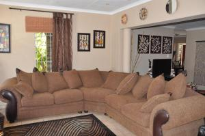 African Rose Guesthouse, Guest houses  Kempton Park - big - 6