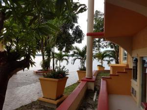 Aruwai Resort White H2O