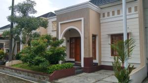 Syafira Home