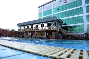 Кампала - La Grande Hotel