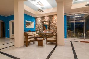 Antinea Suites Hotel & Spa (Kamari)