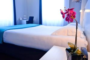 HOTEL LE COMTY - Hotel - Feurs