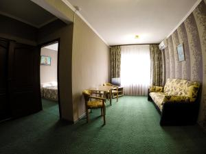 Hotel Santa Maria, Hotely  Mariupol' - big - 17