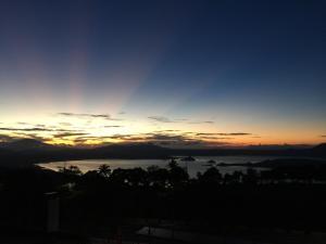Wind Residence with View of Taal Lake, Apartmanok  Tagaytay - big - 20