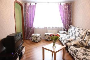 (Apartment on Nevskogo Street 18)