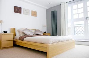 Riverside Apartment in Docklands