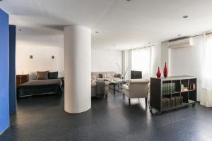Blue Loft, Apartments  Madrid - big - 3